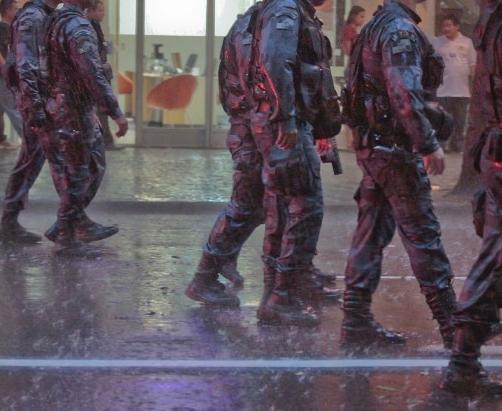 Dando Abrigo ao Policial | DITADURA G » Sexo Gay Amador | Vídeos Gays | Xvideos Gay | XXX