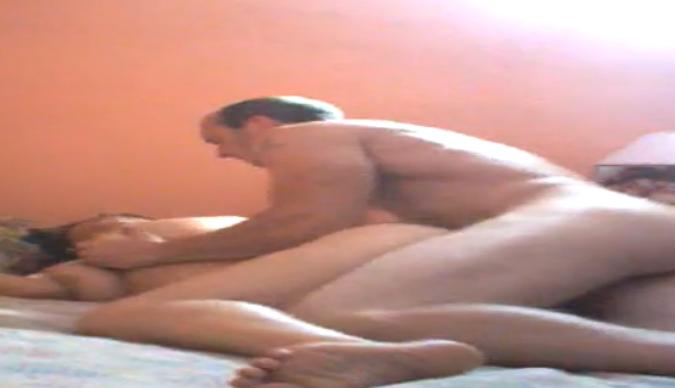 sexo com a vizinha videos bissexuais