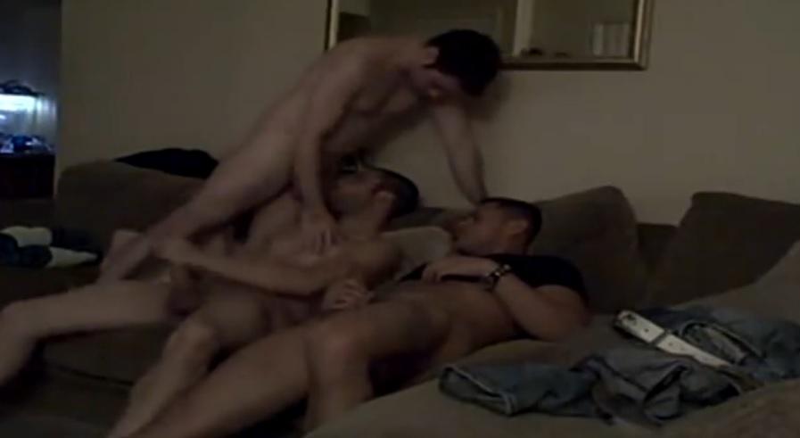 Clássico: Companheiros de Quarto Gays | DITADURA G » Sexo Gay Amador | Vídeos Gays | Xvideos Gay | XXX