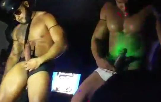 Go Go Boys Super Dotados | DITADURA G » Sexo Gay Amador | Vídeos Gays | Xvideos Gay | XXX
