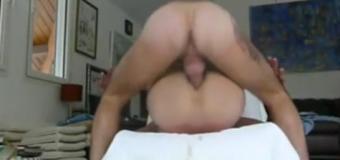 Casal brasileiro grava vídeo amador trepando forte