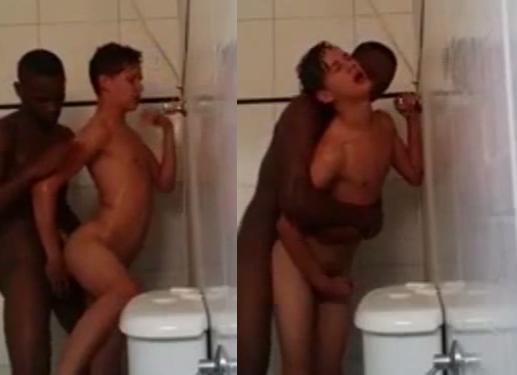 Gay da Pandlr dando o cu pra negão do Cartola | DITADURA G » Sexo Gay Amador | Vídeos Gays | Xvideos Gay | XXX