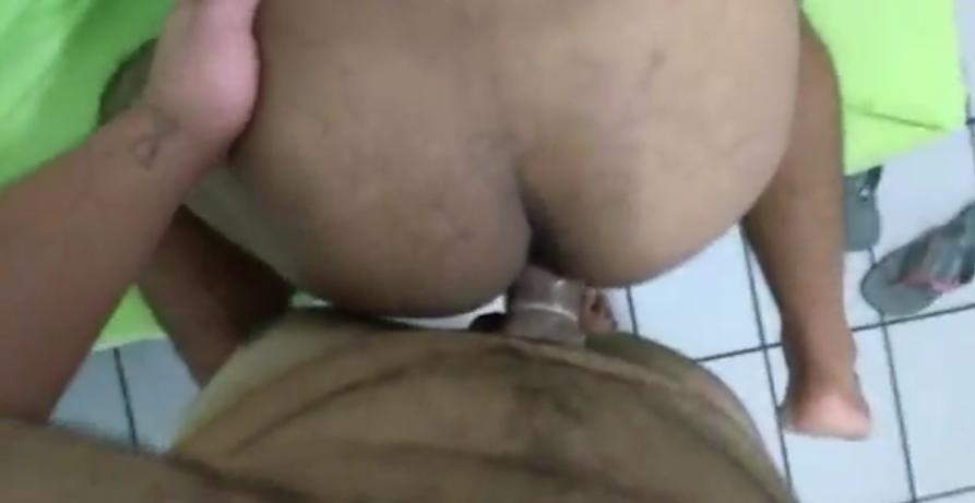 Gay Gemendo na pica grande do Carioca | DITADURA G » Sexo Gay Amador | Vídeos Gays | Xvideos Gay | XXX