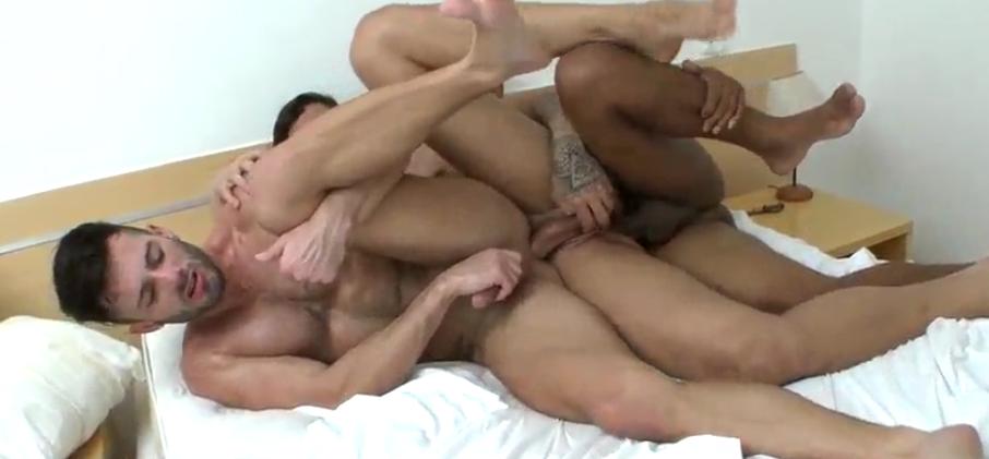Trio Gay faz Trenzinho | DITADURA G » Sexo Gay Amador | Vídeos Gays | Xvideos Gay | XXX