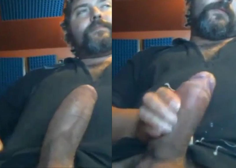 Tiozao Dotadao de Rola Super Grossa na Punheta | DITADURA G » Sexo Gay Amador | Vídeos Gays | Xvideos Gay | XXX