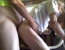 Sexo de velhos gays se comendo sem camisinha
